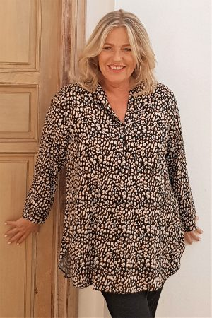 The model in this thumbnail is wearing a Tulip cheetah print tunic from Kasbah Clothing at Bakou in West Wimbledon